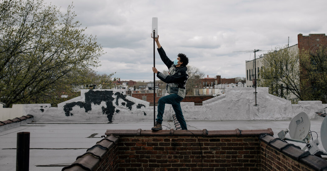 'Welcome to the Mesh, Brother': Guerrilla Wi-Fi Comes to New York