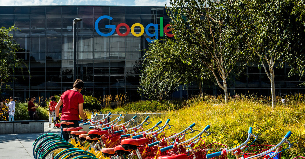 Google Mandates Vaccines for Workers and Delays Return to Office