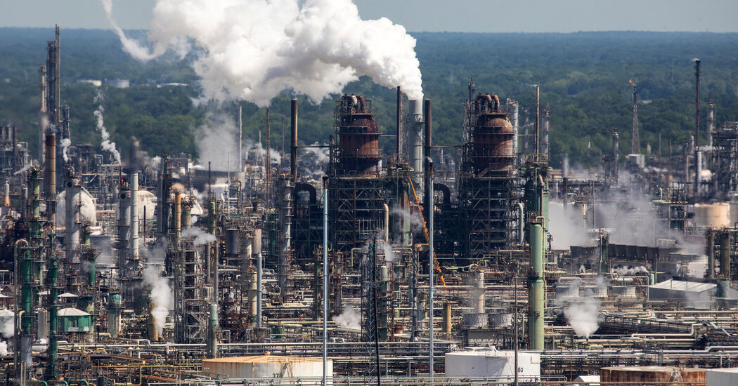Democrats Seek 0 Billion in Climate Damages From Big Polluting Companies