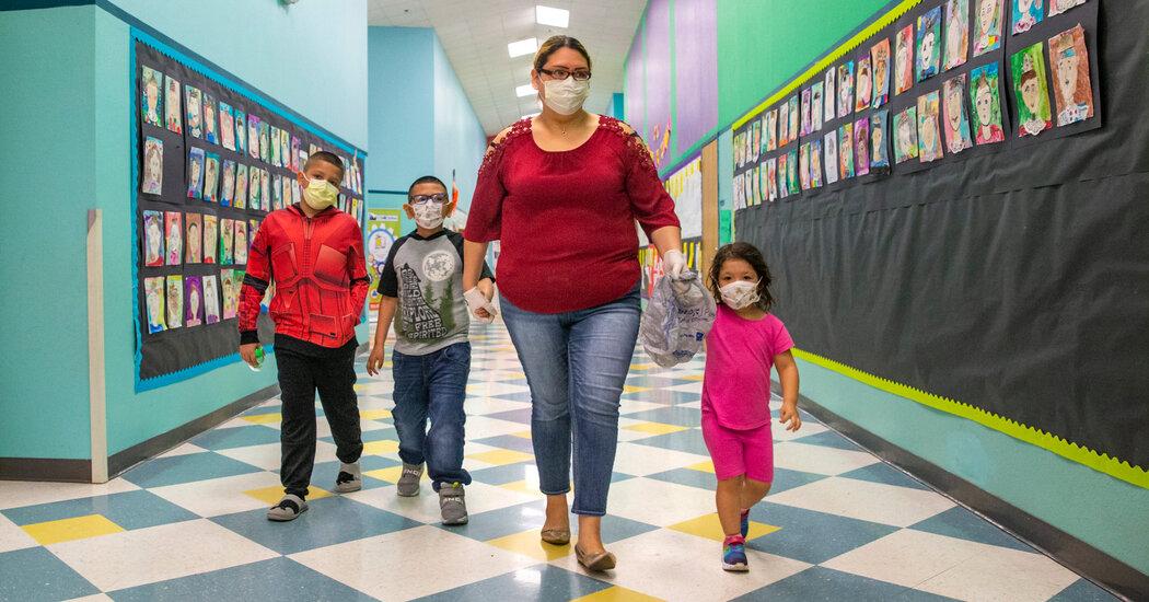 Dallas School District Defies Governor, Orders Mask Mandate