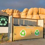 California Aims to Ban Recycling Symbols on Things That Aren't Recyclable 💥👩👩💥