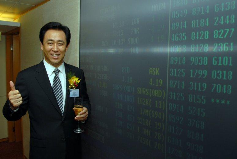 恒大创始人、亿万富翁许家印在2009年。如今,恒大在中国各地有近800个未完成的项目。