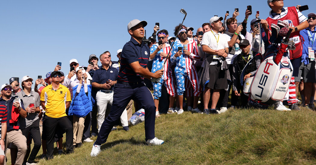 US Ryder Cup Team Takes Big Lead on Wild Opening Day