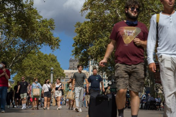 Barcelona Takes on Airbnb