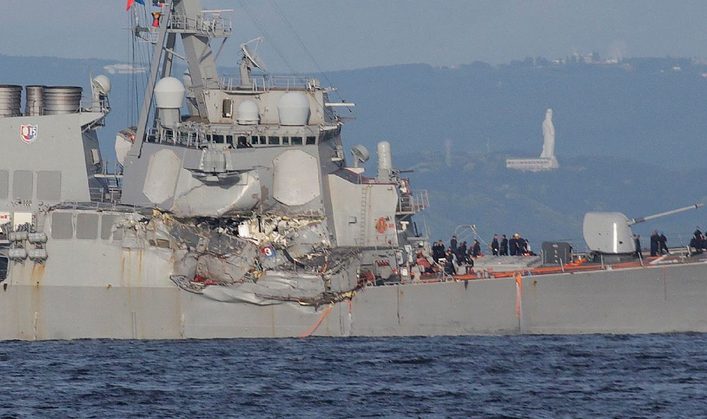medium resolution of the u s s fitzgerald s damaged starboard side eugene hoshiko associated press the container ship