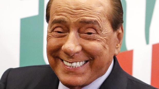 Berlusconi, su nuevo amor en tiempos del coronavirus