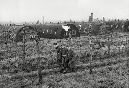 Imágen de época del campo de concentración más grande de Gran Bretaña