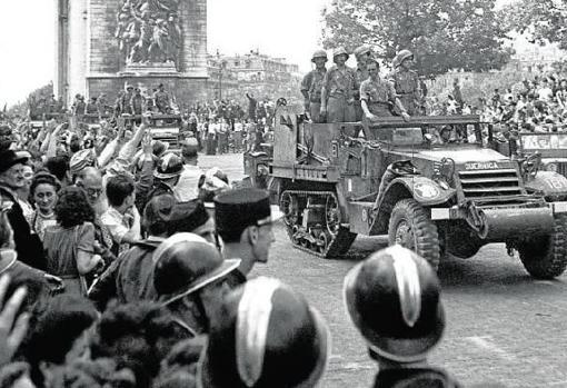 The Spanish of the mythical Nine liberate Paris as part of the Allied army