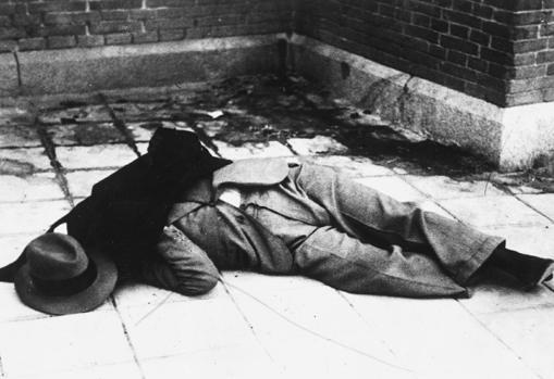 El cadáver de Calvo Sotelo, tras ser abandonado en el cementerio del Este