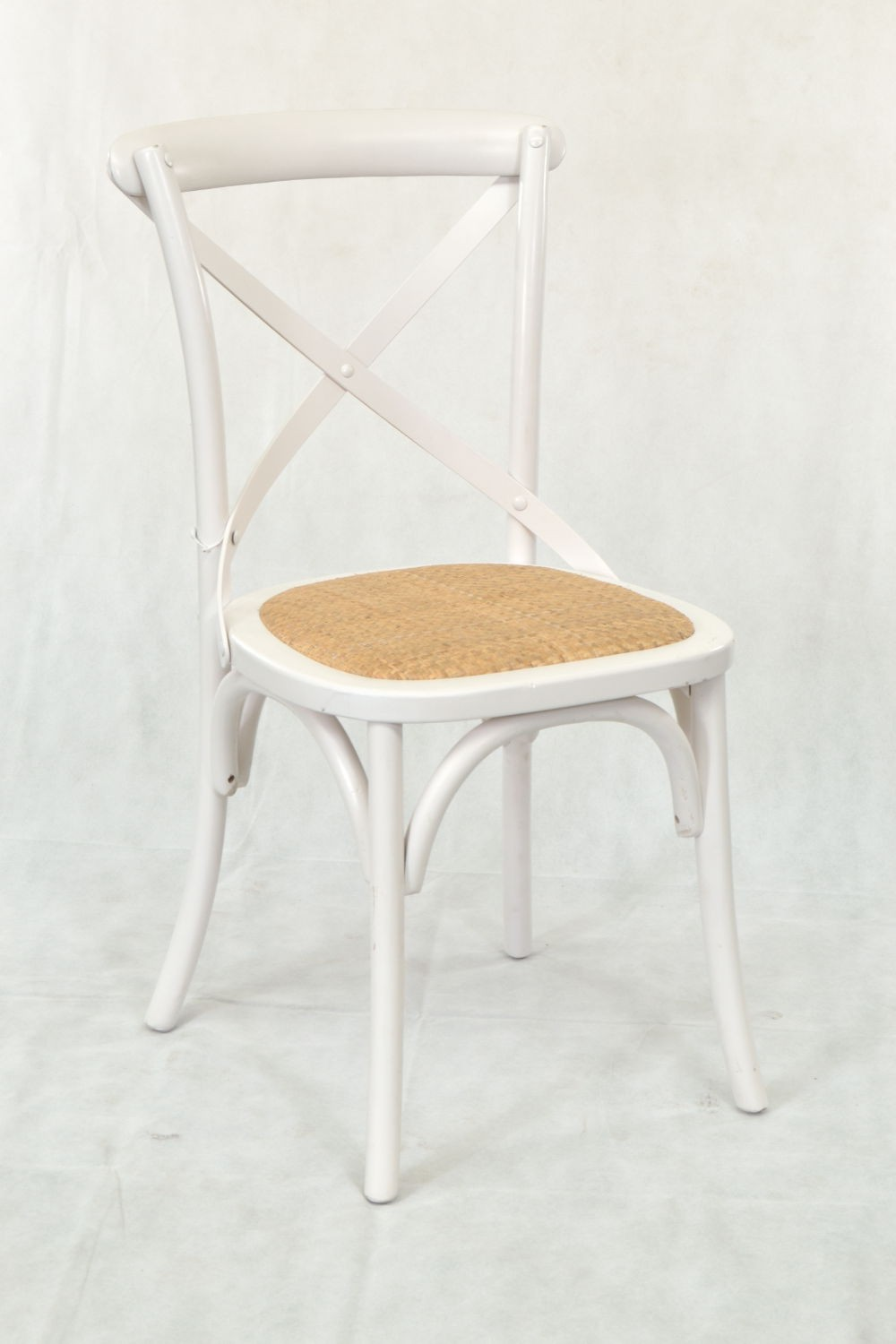 White Bistro Chairs Buy A Stylish White Bentwood Dining Or Bistro Chair