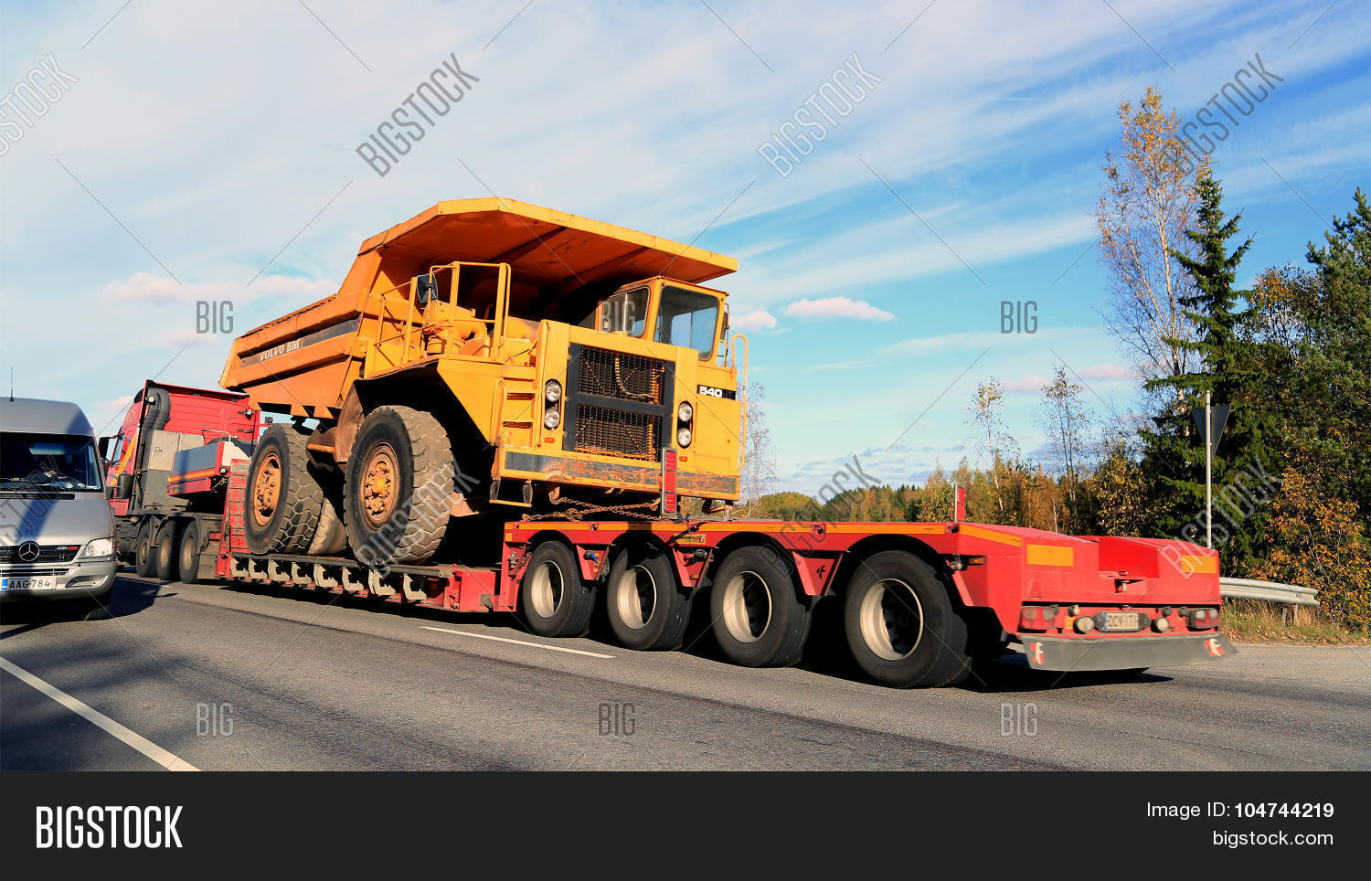 hight resolution of parainen finland october 9 2015 volvo fh hauls a volvo bm 540 rigid dump truck as wide load the bm 540 was designed a cost effective load carrier for