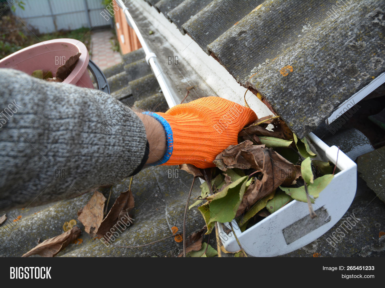 Rain Gutter Cleaning Image & Photo (Free Trial)   Bigstock