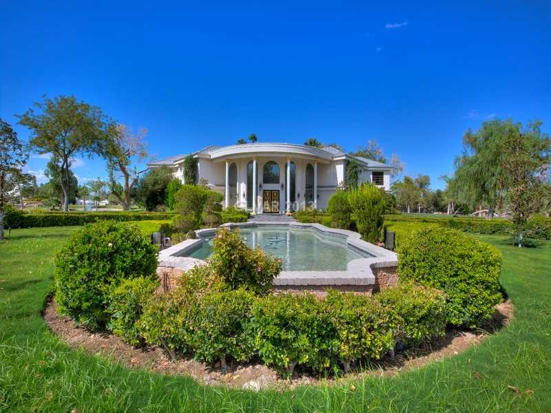 """#5 """"Casa de Shenandoah,"""" the Las Vegas home owned by singer Wayne Newton for more than 45 years, was listed for a whopping $70 million (though it has since been reduced to $48 million). The ranch even comes with its own airport, defunct zoo, and eight separate homes."""