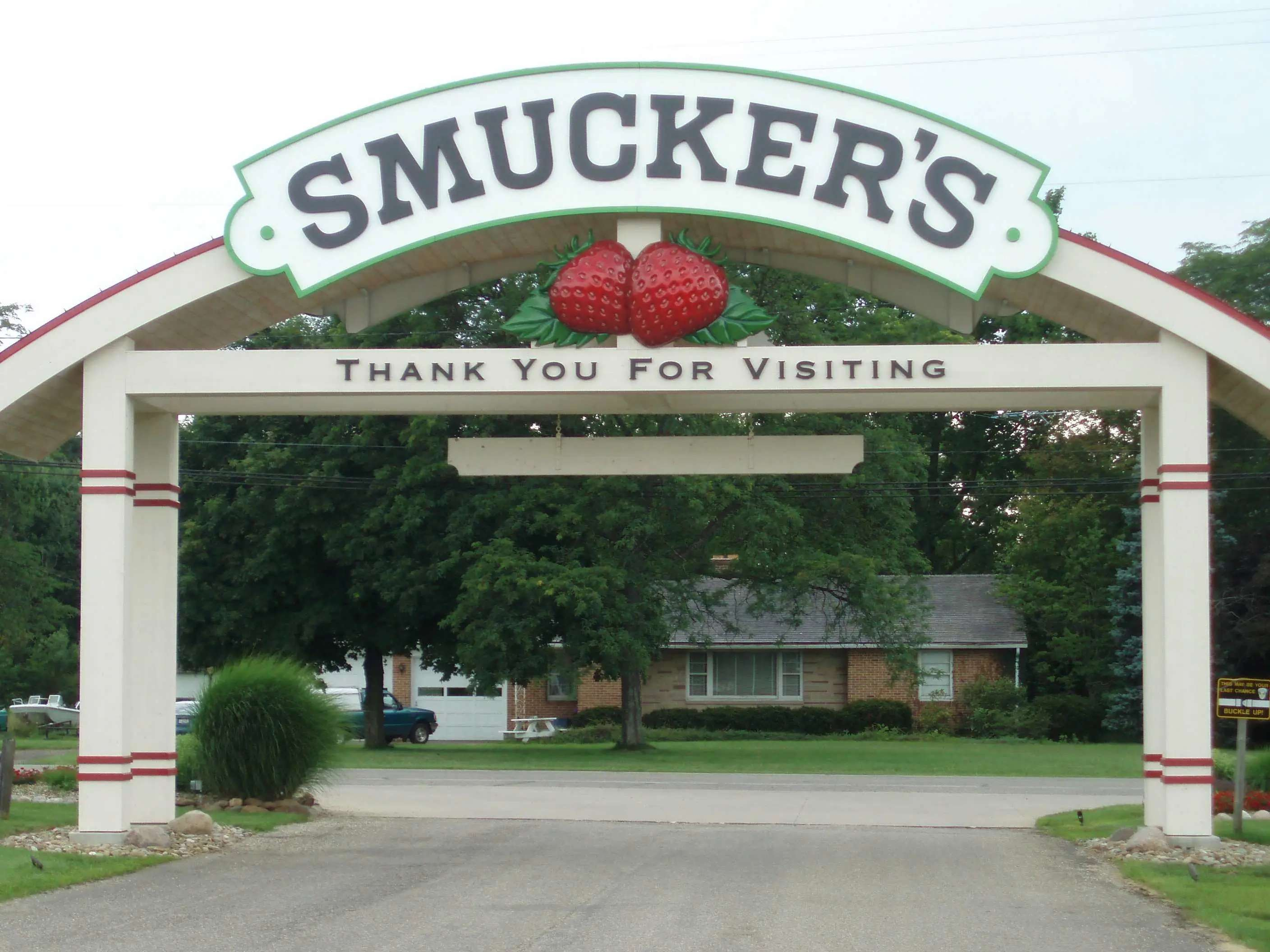 The J.M. Smucker Company sends a gift basket to every new employee.