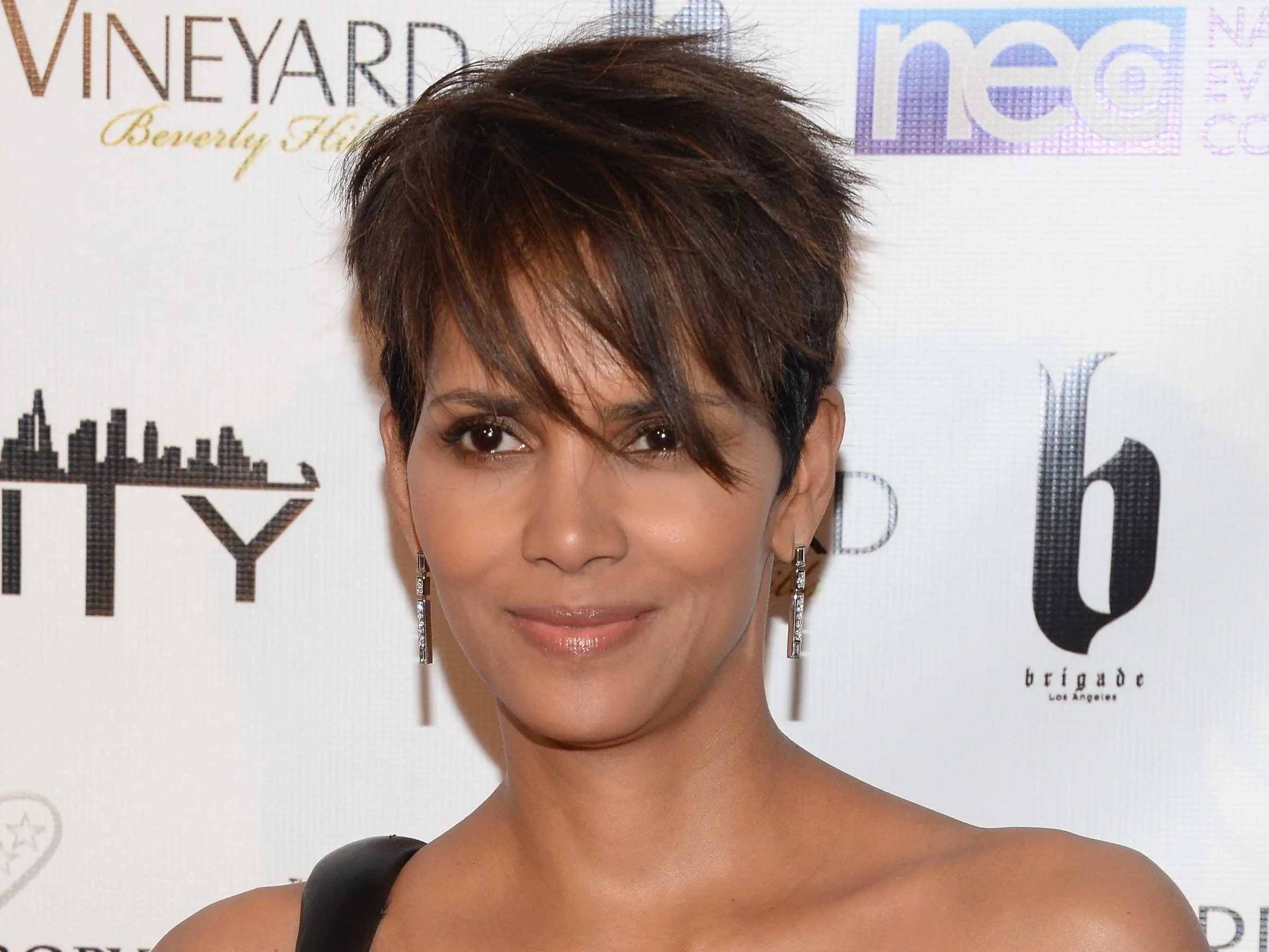 Oscar winner Halle Berry once stayed in a homeless shelter in her early 20s.
