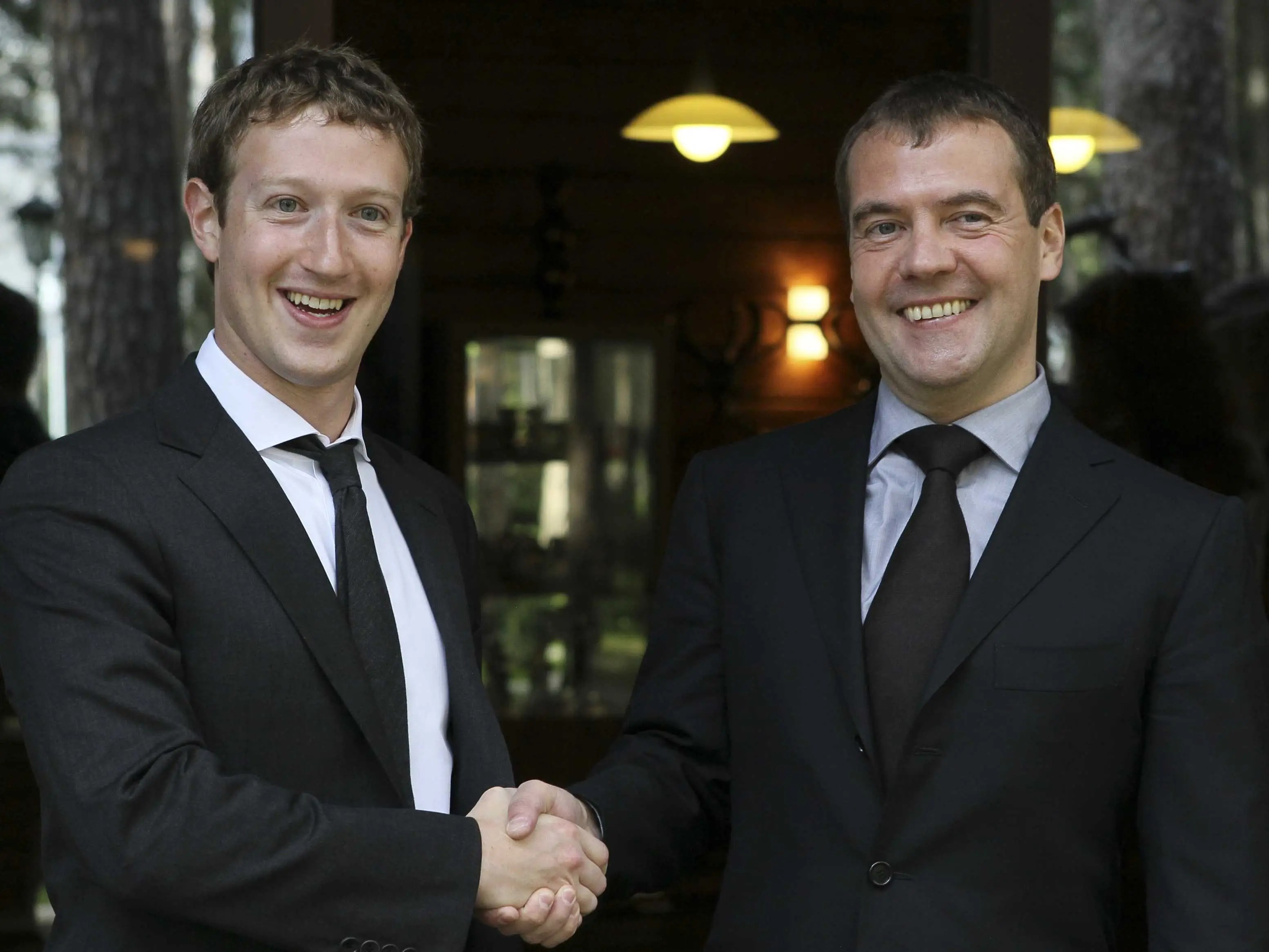 Mark Zuckerberg Dmitry Medvedev