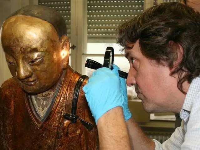 Buddhist Monk Mummy Alive3