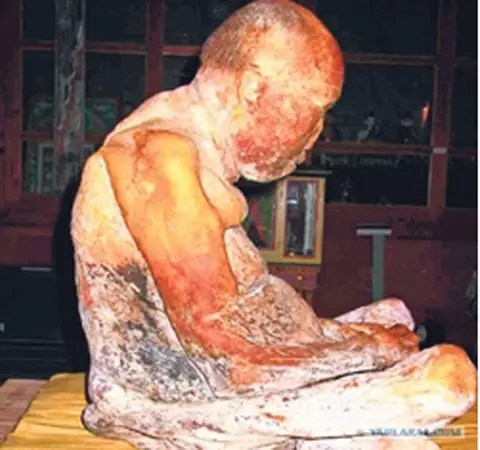 Buddhist Monk Mummy Alive2
