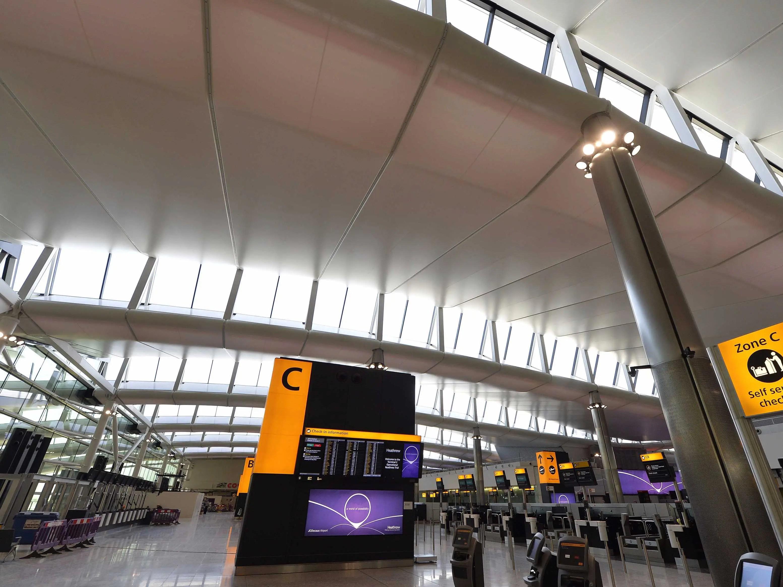 8. London Heathrow Airport (LHR)