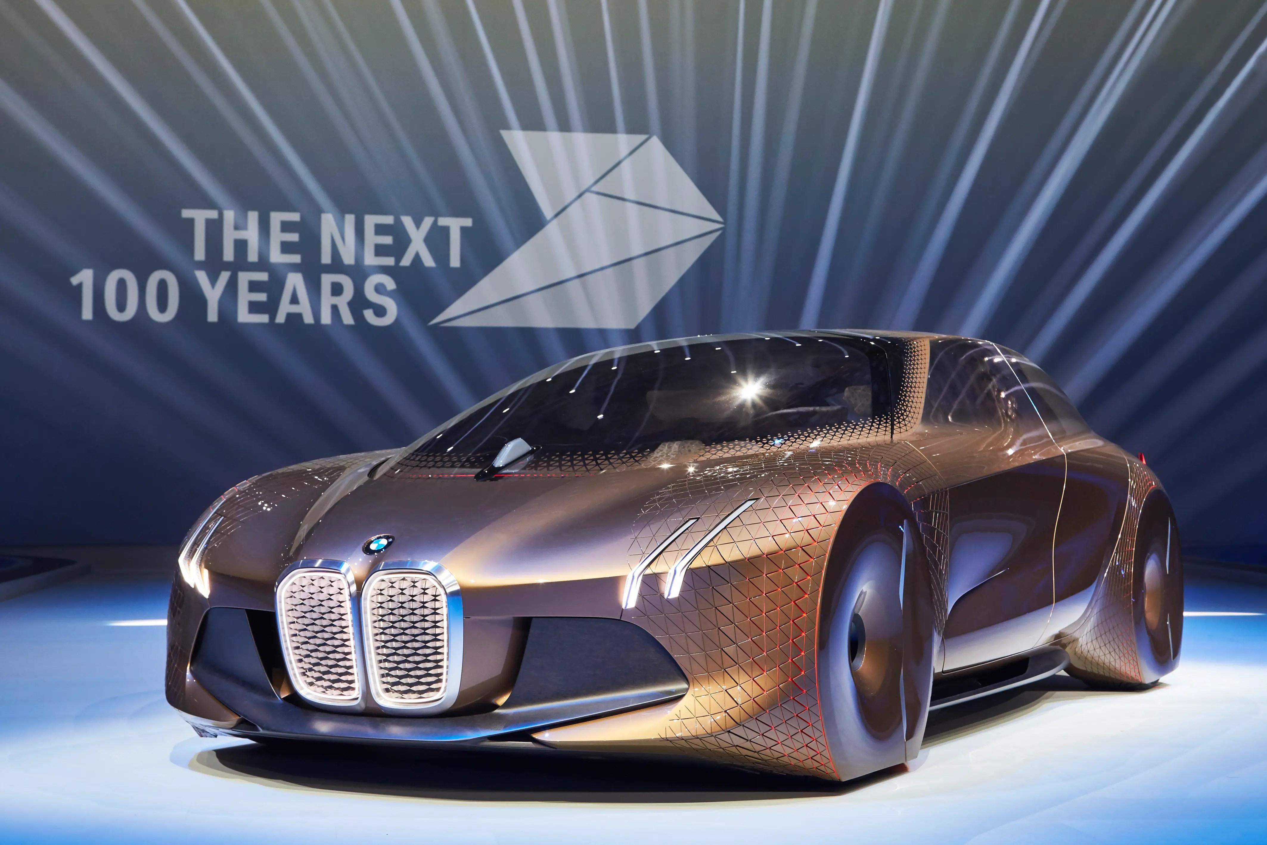 BMW Vision 100 6