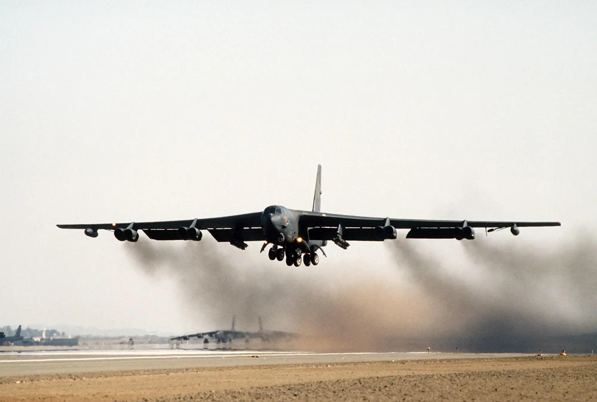 B 52g Stratofortress jet bomber airplane usaf