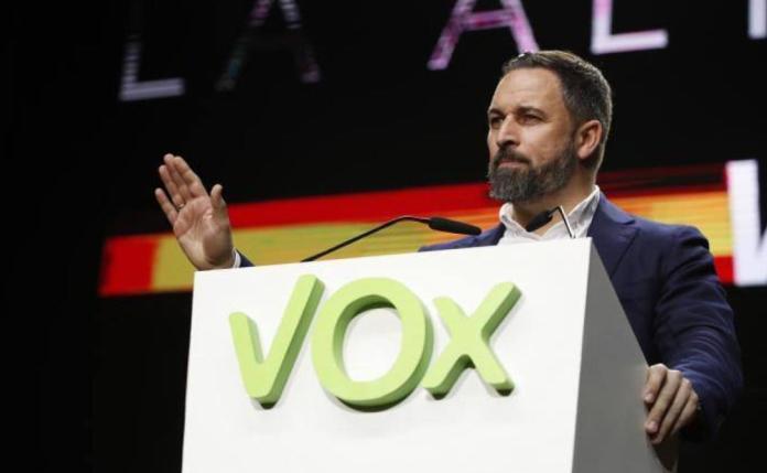 Resultado de imagen para Fotos de la Asamblea de VOX en la plaza de toros de Vistalegre, en Madrid,