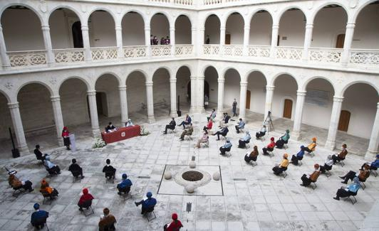 The University of Valladolid (in the image, the opening ceremony of this academic year) will host a summer course and a monographic conference on the writer.