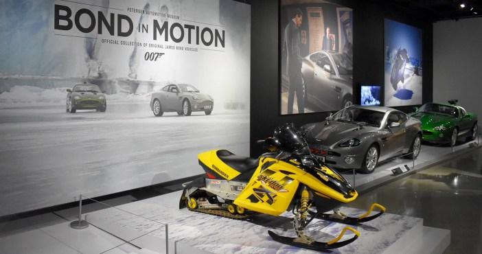 Veículos de Bond em exposição em Los Angeles © HotCars