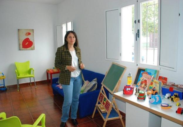 Ana Rodríguez, en la antigua sede de la asociación . :: HOY/
