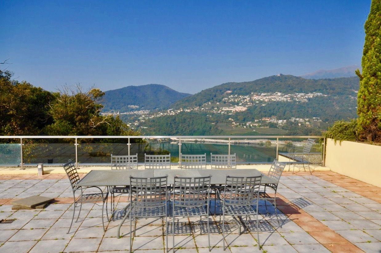 Attico di Pregio con Panoramica TerrazzaTetto di 265 mq in vendita a Montagnola