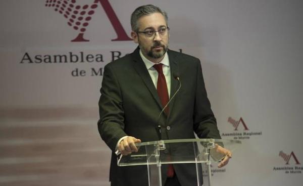 PP Diego Conesa vuelve a utilizar su cargo para hacer
