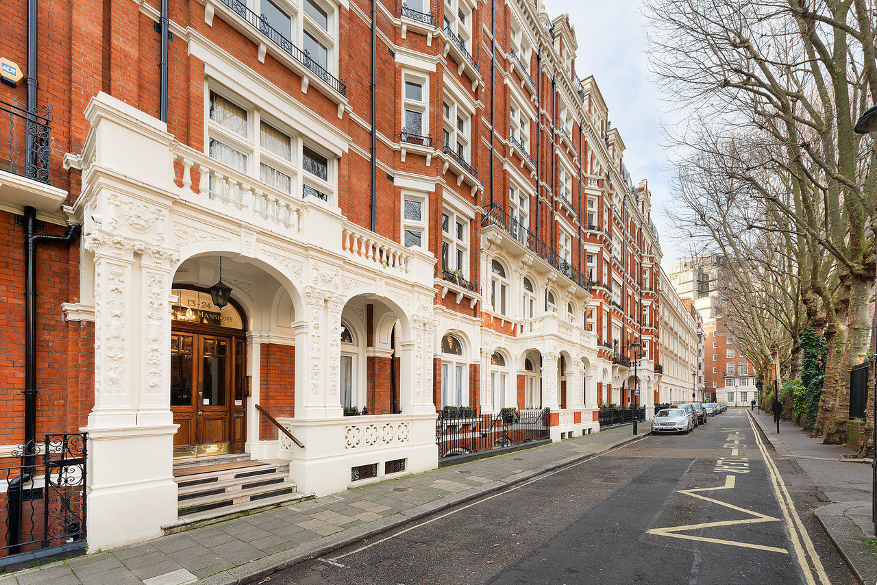Three Bedroom London Flat In Historic Victorian Mansion Lists For 1 45 Million Mansion Global
