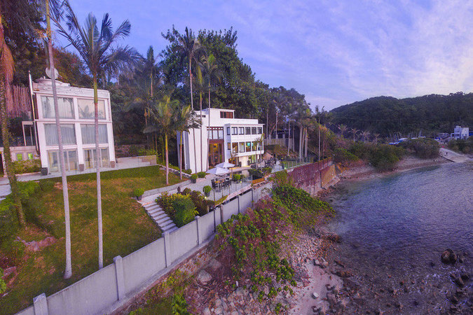 Hong Kong Peninsula Estate Hits Market For Hk 280m Mansion Global