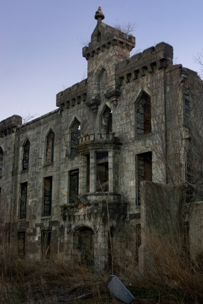 Renwick Smallpox Hospital: an Abandoned Sanatorium in ...