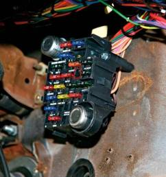 fusebox in pic not mine found it online american autowire  [ 1024 x 768 Pixel ]