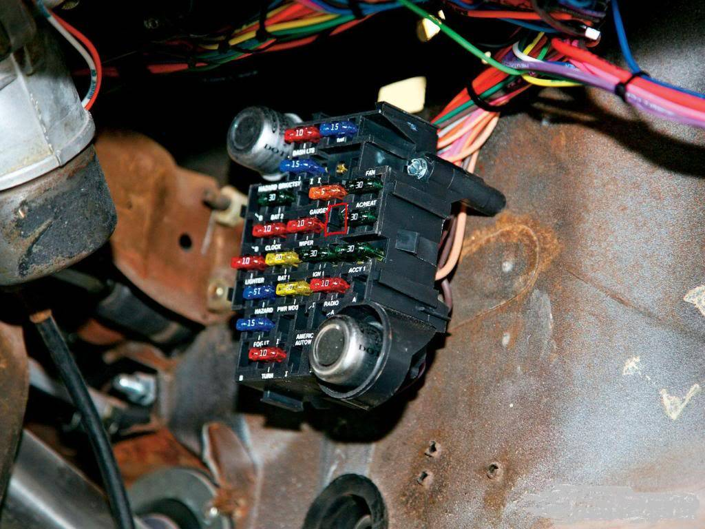 hight resolution of  fusebox in pic not mine found it online american autowire