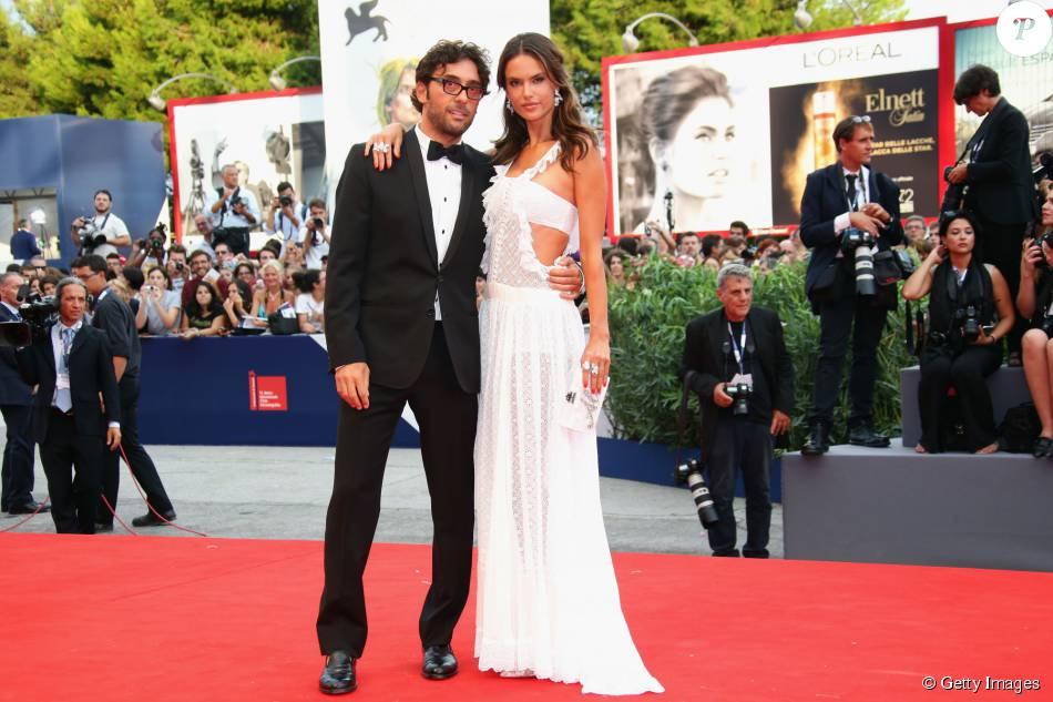 Lorenzo Serafini e Alessandra Ambrósio prestigia a première do filme 'Evereste', no primeiro dia da 72ª edição do Festival de Veneza, nesta quarta-feira, 2 de setembro de 2015