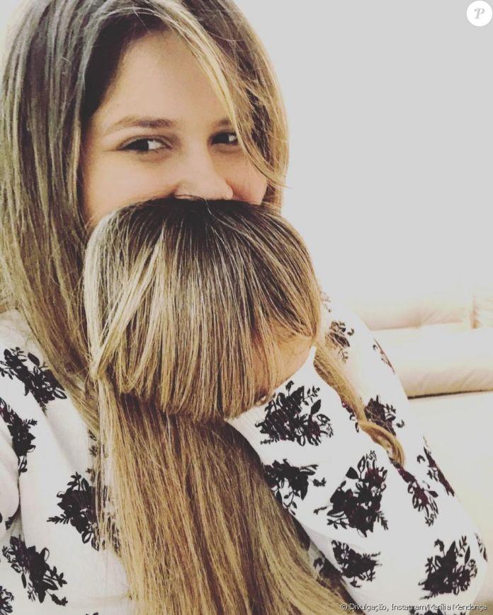 Marília Mendonça explicou, minutos depois, que era uma franja falsa: 'Tictac'