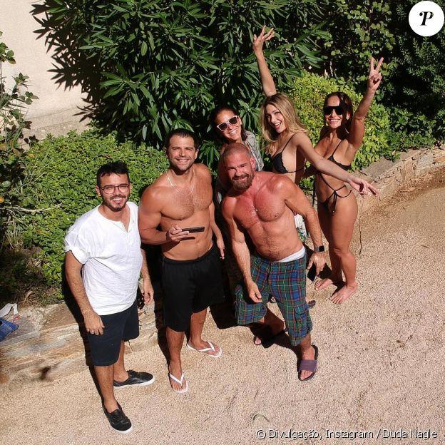 Bruna Marquezine curtiu dias ensolarados de Saint-Tropez, na França, na companhia de Sasha Meneghel, Sabrina Sato, Duda Nagle e amigos