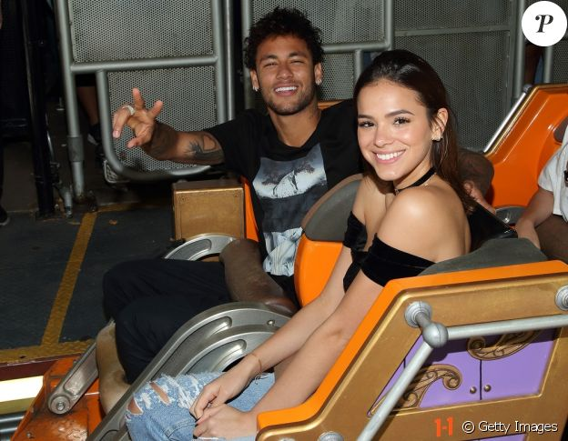 Neymar confirmou o término do namoro com Bruna Marquezine durante seu leilão beneficente, em São Paulo, no dia 22 de junho de 2017