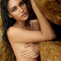José Loreto e Débora Nascimento posam nus para livro de famosos