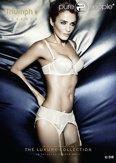 Helena Christensen pose pour la collection Essence de Triumph.