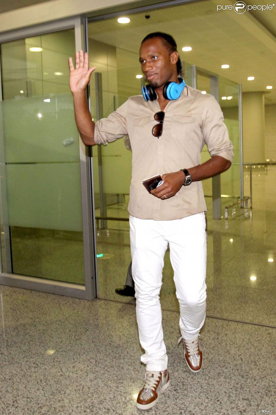 Eric cantona i̇stanbul'daki galatasaray maçının ardından ali sami yen'de yaşananları ilk kez detaylarıyla anlattı. Didier Drogba arrive à Shanghai le 14 juillet 2012 ...