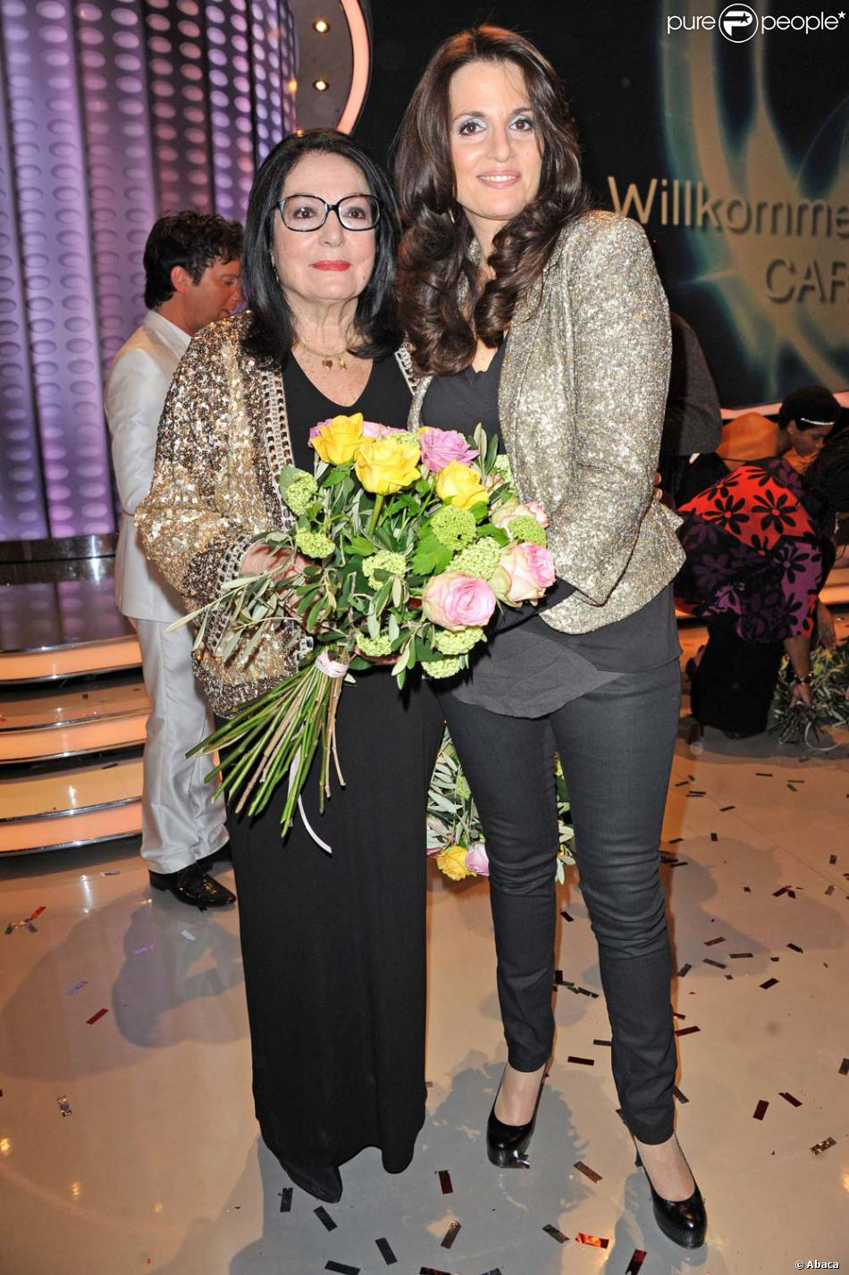 Nana Mouskouri Et Sa Fille : mouskouri, fille, Mouskouri, Fille, Lenou, Plateau, L'émission, Willkommen, Carmen, Nebel, Berlin,, 2012., Purepeople