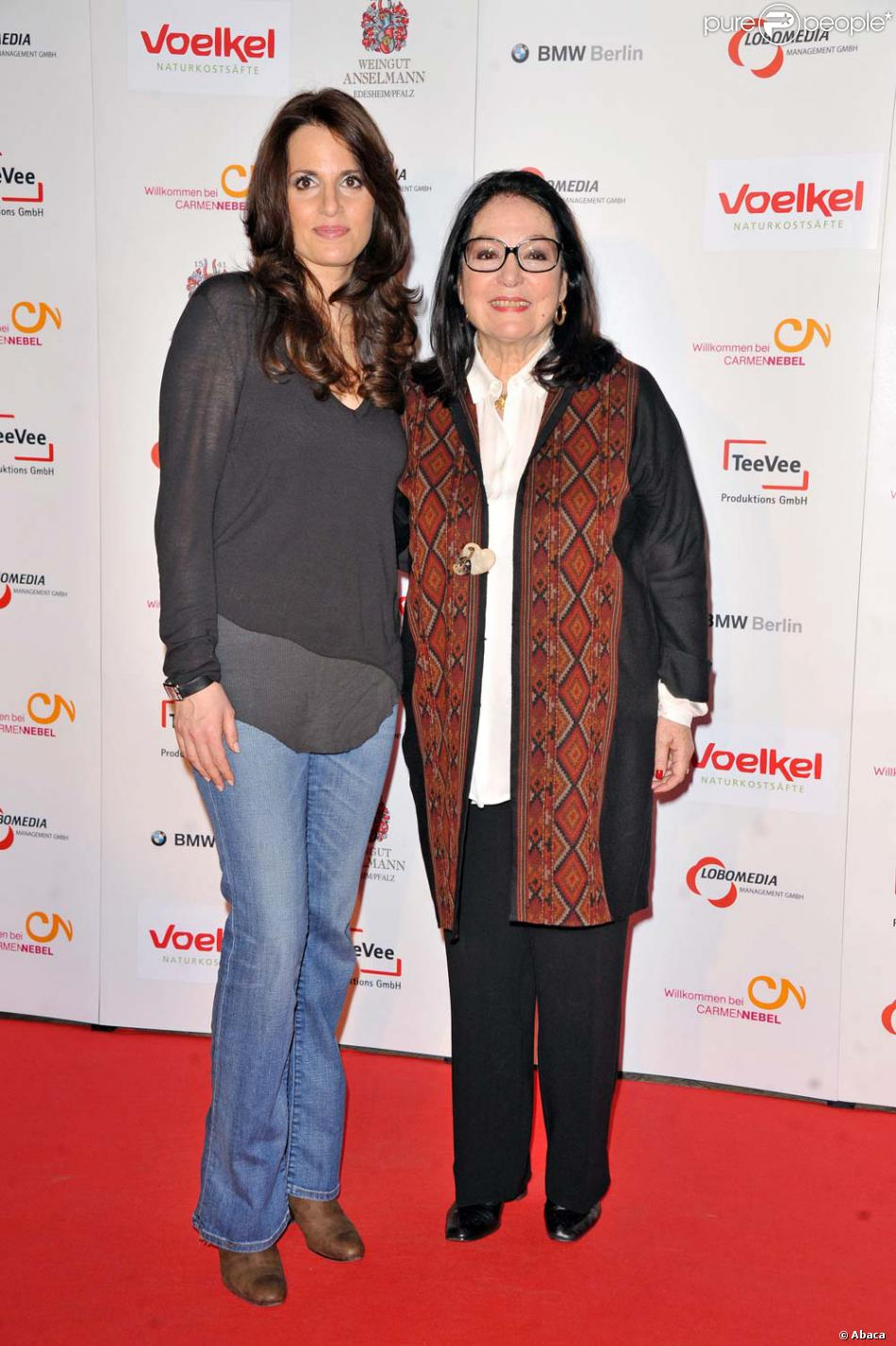 Nana Mouskouri Et Sa Fille : mouskouri, fille, Mouskouri, Fille, Lenou, Arrivent, Plateau, L'émission, Willkommen, Carmen, Nebel, Berlin,, 2012., Purepeople