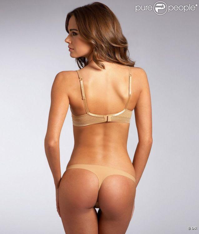Xenia Deli dévoile son corps parfait en prenant la pose pour la marque de lingerie et de maillots de bain Bare Necessities