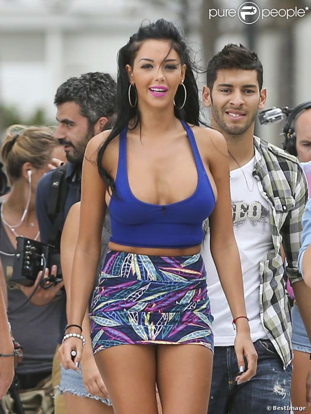 La somptueuse Nabilla et Samir sur le tournage des  Anges de la télé-réalité 5  à Miami, le 22 mars 2013