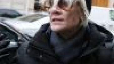 Françoise Hardy victime d'un cancer : détresse respiratoire, hémorragie nasale, elle raconte son supplice