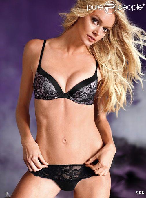 Le top model américain Lindsay Ellingson pose pour la lingerie Victoria's Secret