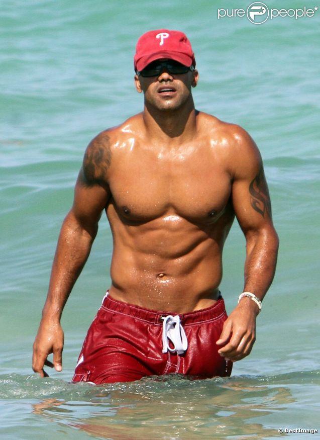 Le héros d'Esprits Criminels Shemar Moore, torse nu sur à Miami Beach. Le 5 mai 2012.